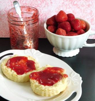 Sliced strawberry jam